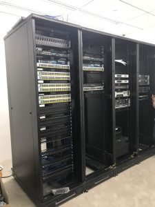 thi công máy chủ server room